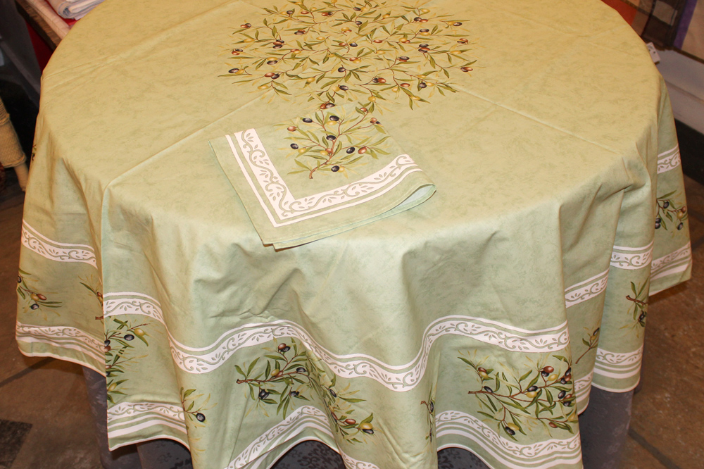 71 Round Provencal U201cSpecial Editionu201d Green With Black Olives Tablecloth
